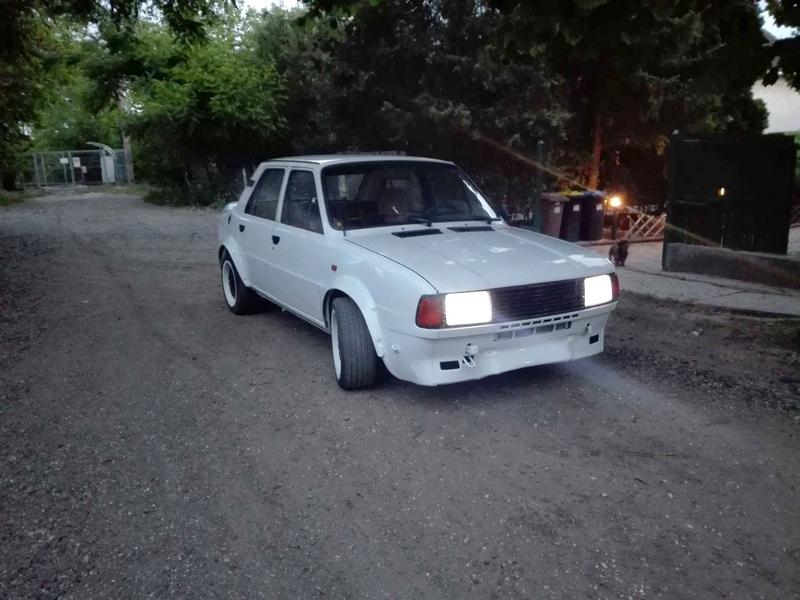 Skoda 120L