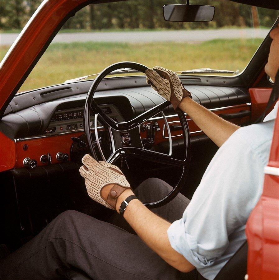 Volvo Amazon cocpit