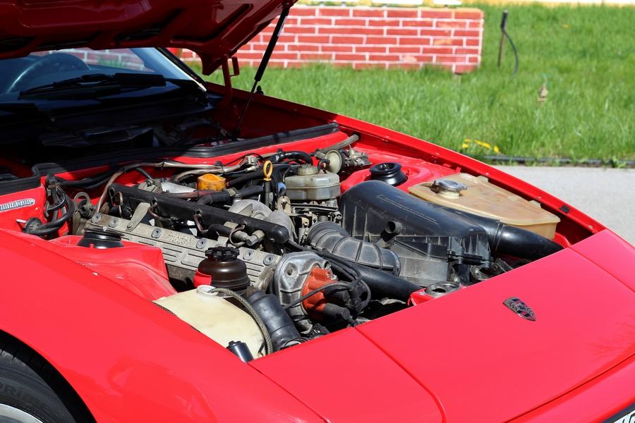 Porsche 924 motor