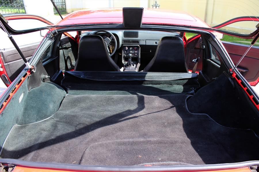 Porsche 924 csomagtér
