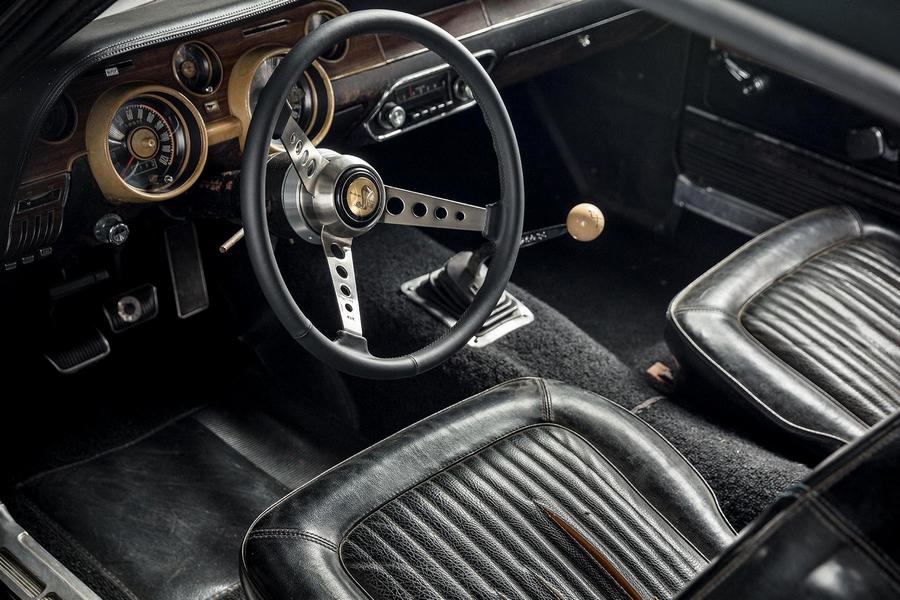 Mustang belső