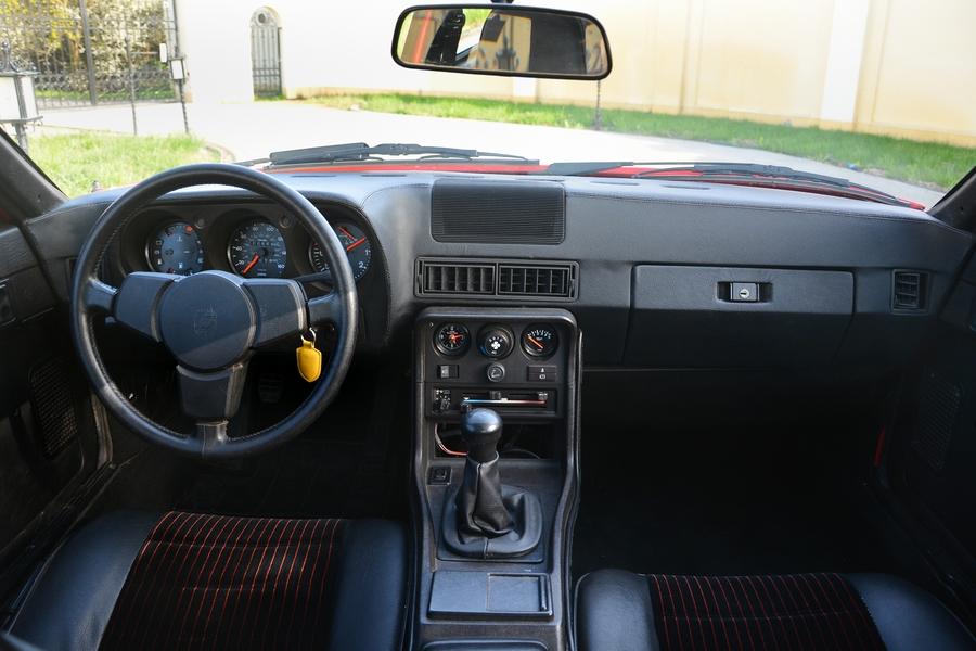 Porsche 924 belső