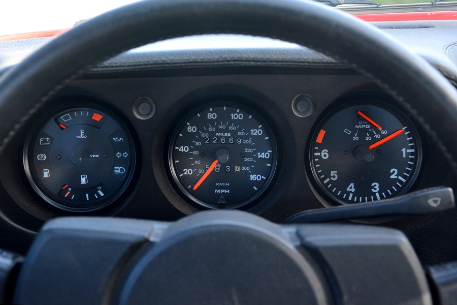 Porsche 924 műszerfal