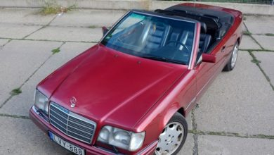 Photo of A bordó cirkáló – Mercedes-Benz E200 Cabriolet 1994 – Keréknyom