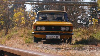 Photo of Taxi Polski a sínek mellett